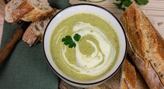 Hofgutshop.de - Rezept für eine cremig vegane  Zucchinisuppe